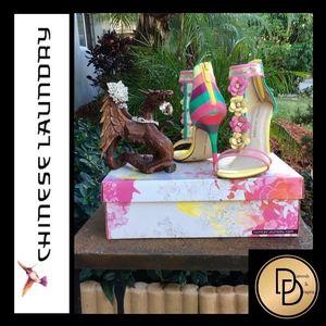 NEW! Sexy Feminine Stiletto Sandals  W/3D Flowers